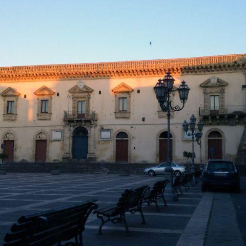 Prospetto su Piazza Garibaldi